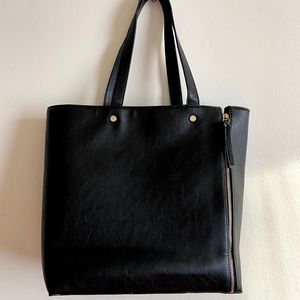 Neiman Marcus Black Tote Bag With Gold Zippers